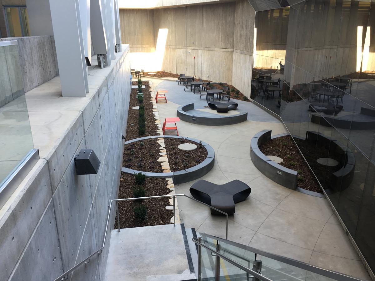 Katherines-Courtyard 5