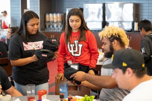 Students meet Utah football players