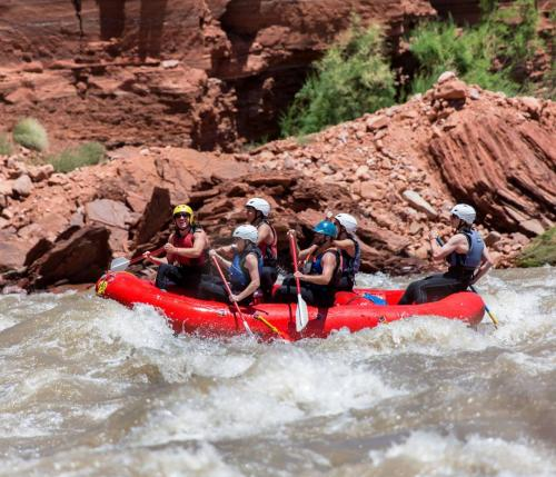 River raft guide training in Moab